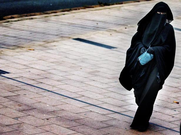 netherlands-burqa.jpg